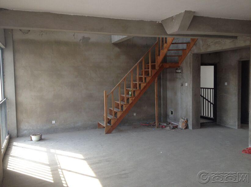 六楼楼梯.jpg