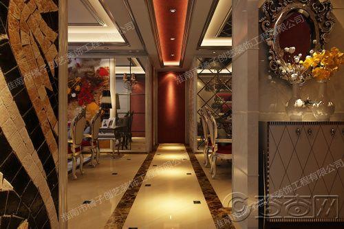 餐厅和客厅的走廊