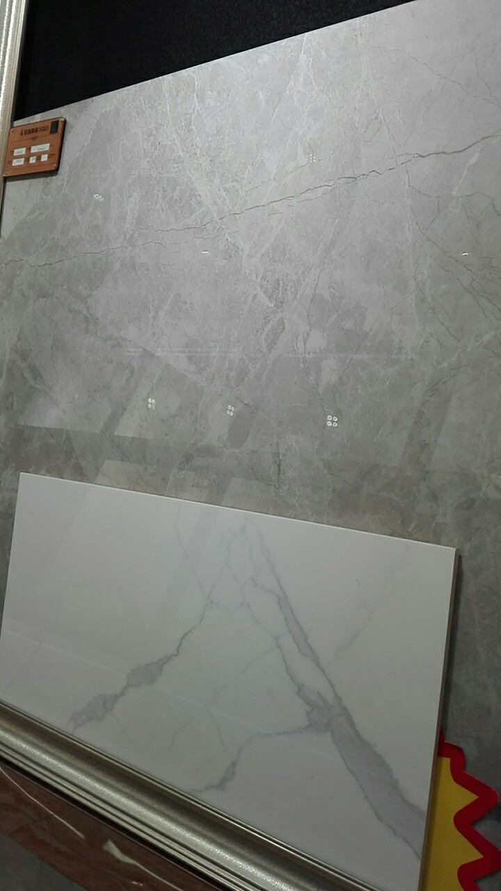 厨房墙、地砖