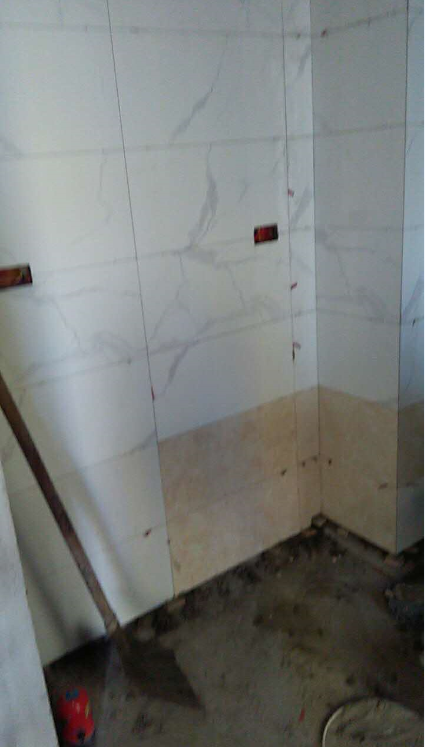 厨房墙砖铺贴