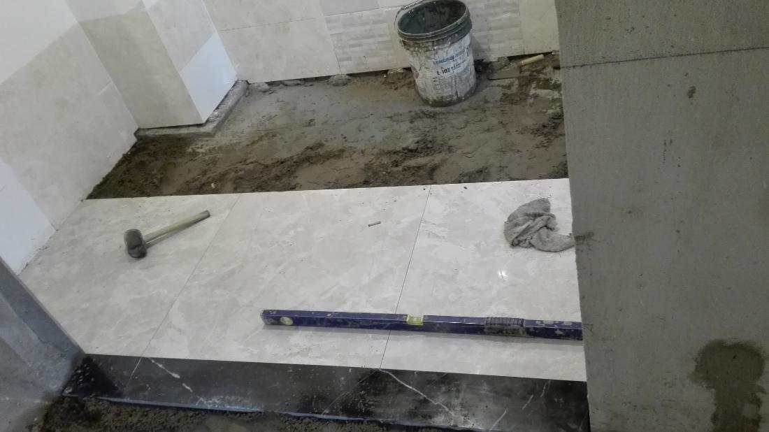 厨房地砖铺贴
