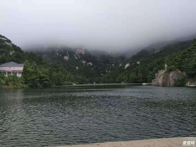 山下的仙女湖
